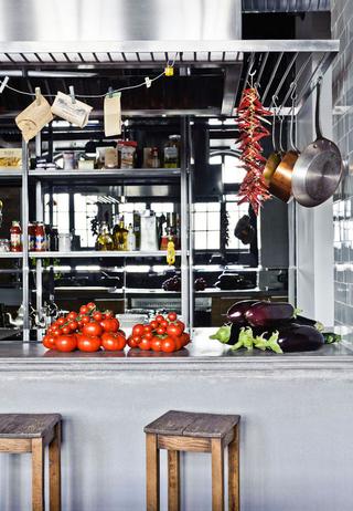 不拘泥现在的复古混搭欣赏厨房