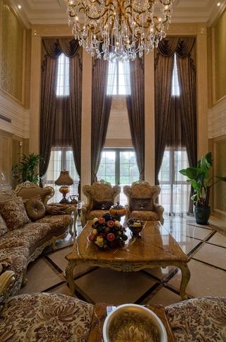 300平豪华法式别墅欣赏客厅效果