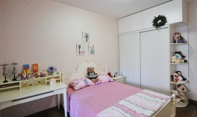 117平白色美式三居欣赏卧室局部