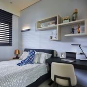 温馨卧室背景墙装修 精美现代三居室