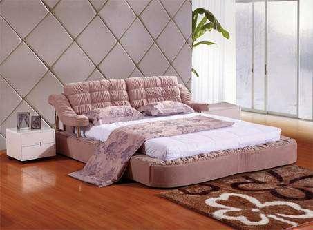 布艺床好还是实木床好