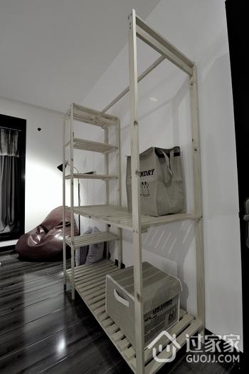 个性舒适现代三居室欣赏卧室效果