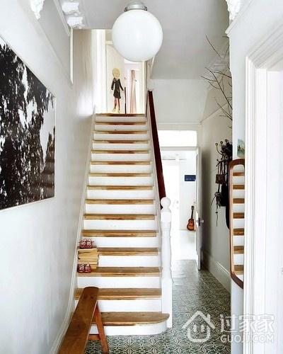 白色北欧柔美住宅欣赏楼梯