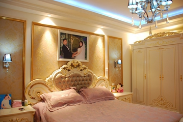 奢华欧式风情四居室欣赏卧室背景墙