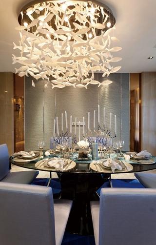 130平新古典时尚大宅欣赏餐厅灯饰