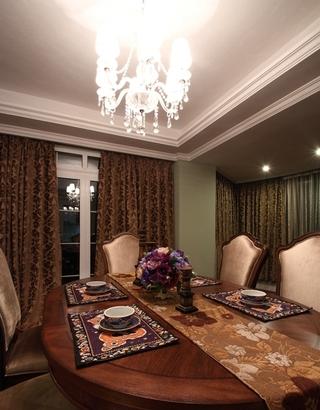 130平美式四室两厅欣赏餐厅陈设