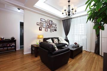 79平白色美式住宅欣赏