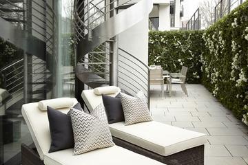 奢华现代风格别墅室外楼梯