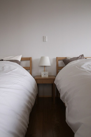白色日式风格两居欣赏卧室局部
