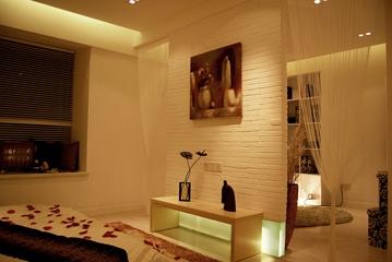 现代简约样板房卧室背景墙