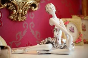 现代个性艳丽设计欣赏卧室均设计