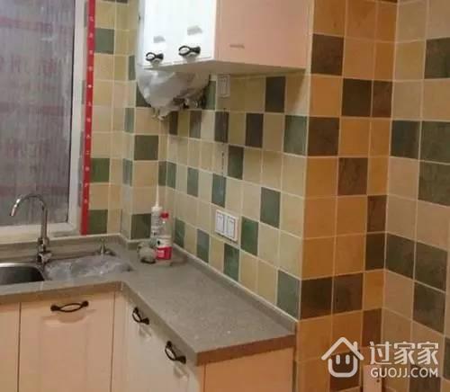 窝火!工人竟把我家卫生间的瓷砖贴到了厨房