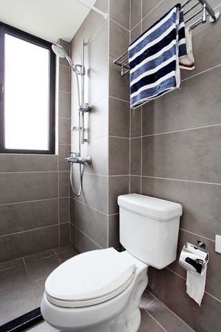 110平现代三居室欣赏卫生间窗户