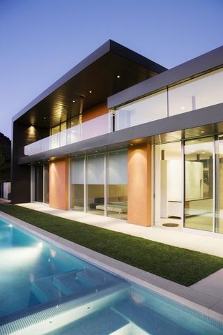 现代简约风别墅设计图室外夜景图