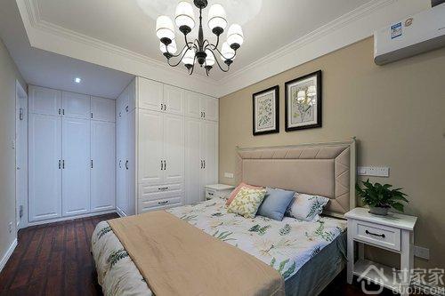 清新美式混搭风格,电视背景墙的隐形门做的不错  卧室床头背景墙
