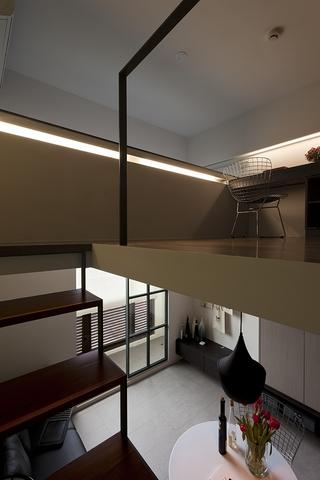 复式楼楼道书房设计