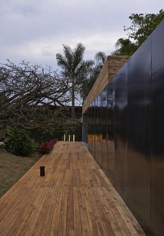 自然木色住宅欣赏过道设计