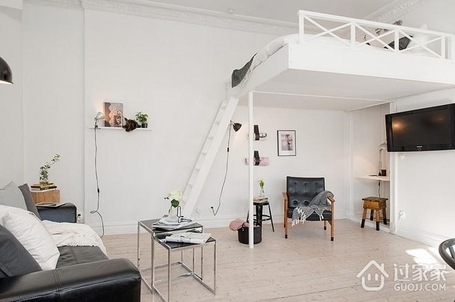 43平白色宜家阁楼欣赏客厅