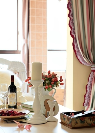 87平地中海三居室欣赏客厅陈设