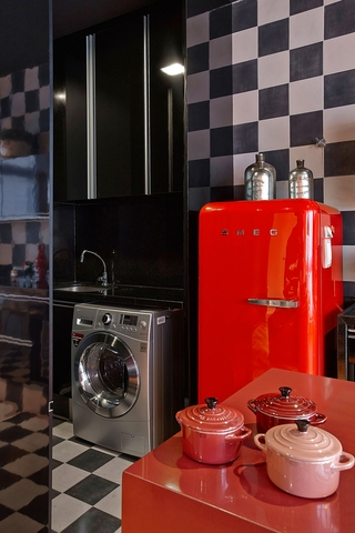 现代舒适彩色公寓欣赏厨房局部