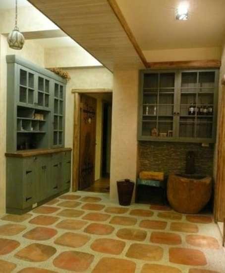 卫浴瓷砖易变花脸 瓷砖抗污选购养护知识