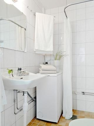 白色北欧两居室案例欣赏卫生间吊顶