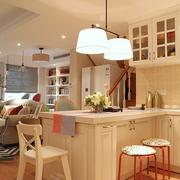 简约之风80后婚房的设计吧台设计