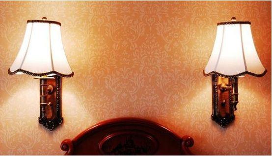 现在卧室流行装什么灯好,壁灯还是台灯?