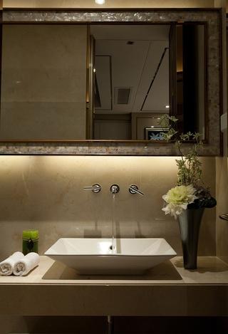 华丽新古典样板房欣赏洗手间设计