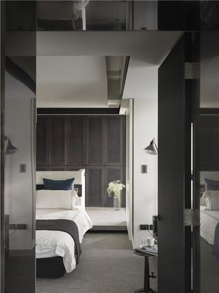 黑白现代风装修效果图卧室