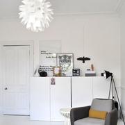 素色不失文艺的简约公寓欣赏客厅陈设