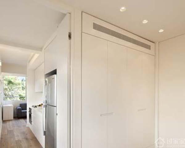 40平米小户型装修设计现代简易卧室隐形门衣柜装修效果图
