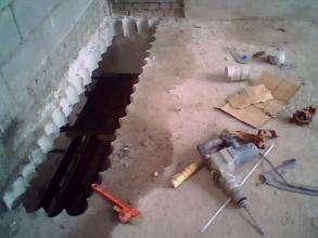 楼板开洞加固的做法