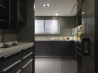 124平现代舒适三居欣赏厨房