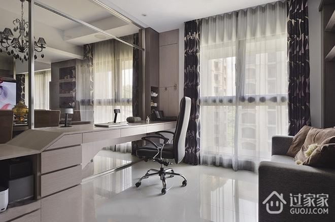 112平温馨现代三居室欣赏卧室局部