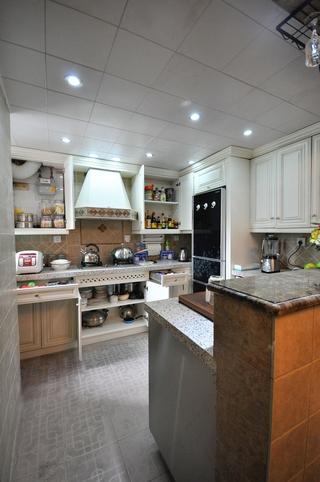102平美式三居室欣厨房吧台