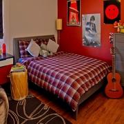 大红色的年轻公寓