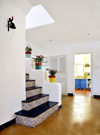 124平地中海温馨住宅欣赏楼梯间