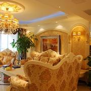 奢华欧式风情四居室欣赏客厅灯饰