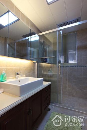 美式风三居室雅居欣赏卫生间吊顶设计