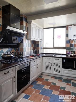 115平地中海住宅欣赏厨房