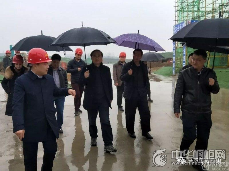 长丰县委常委、双凤开发区管委会第一书记尹旭莅临培恩新工业园视察指导