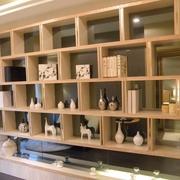 雅致简约样板房欣赏客厅博古架设计