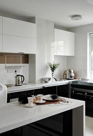 新古典雅致三居欣赏厨房橱柜