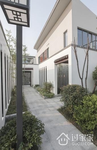 白色新中式别墅欣赏花园