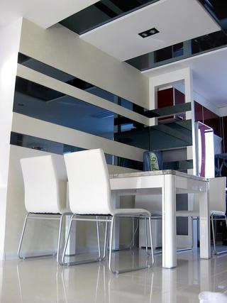 72平现代两居室欣赏餐厅吊顶