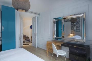 蓝色顶层复式公寓欣赏卧室