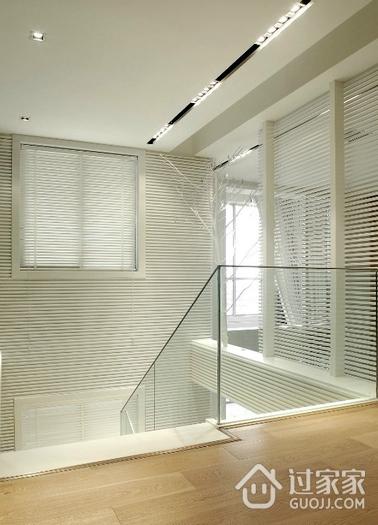 白色现代风格复式楼欣赏楼梯