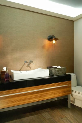 128平现代复式住宅欣赏洗手间
