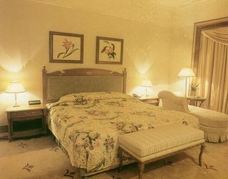 混搭温馨效果图案例欣赏卧室
